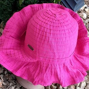 Beach crinkle bendable hat